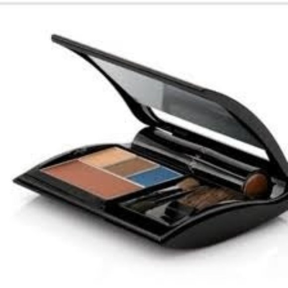 LIPSTICK COMPACT by Mary Kay